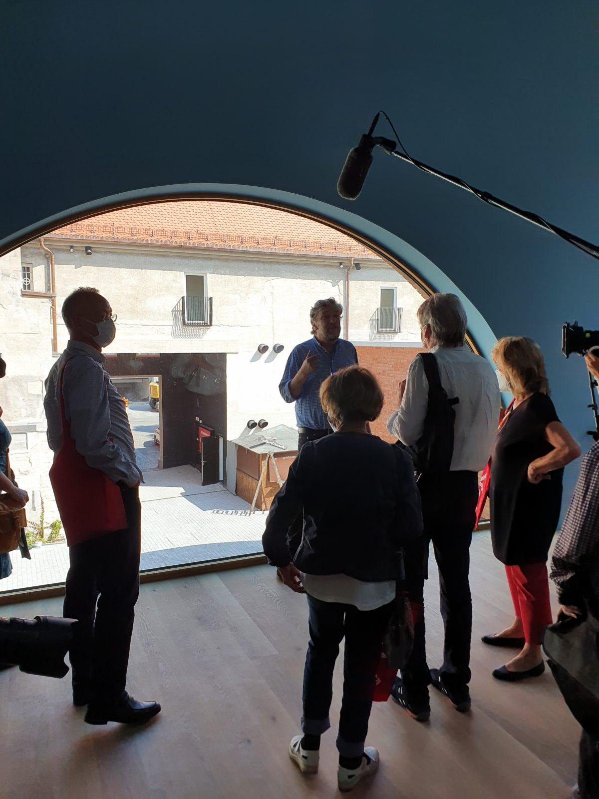 Intendant Stückl Pressekonferenz Eröffnung viehhof dreimuehlenviertel Muenchen